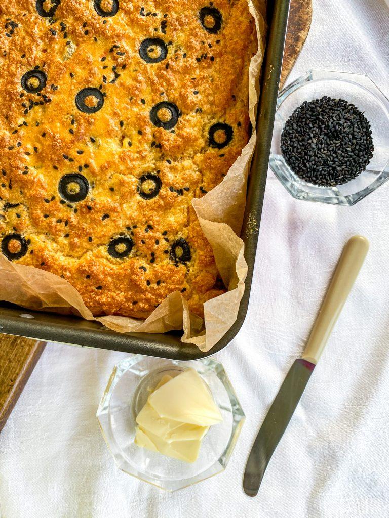 солен кекс с царевично брашно