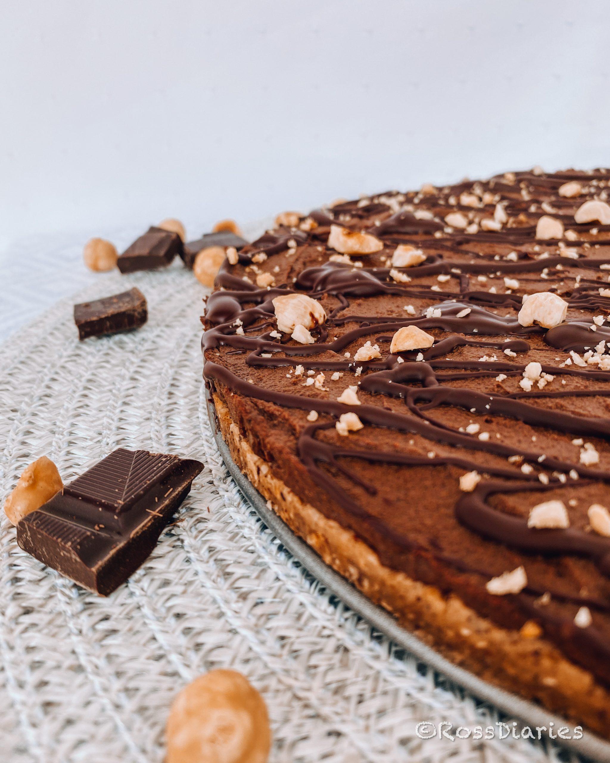 Шоколадова торта без захар и глутен с лешници